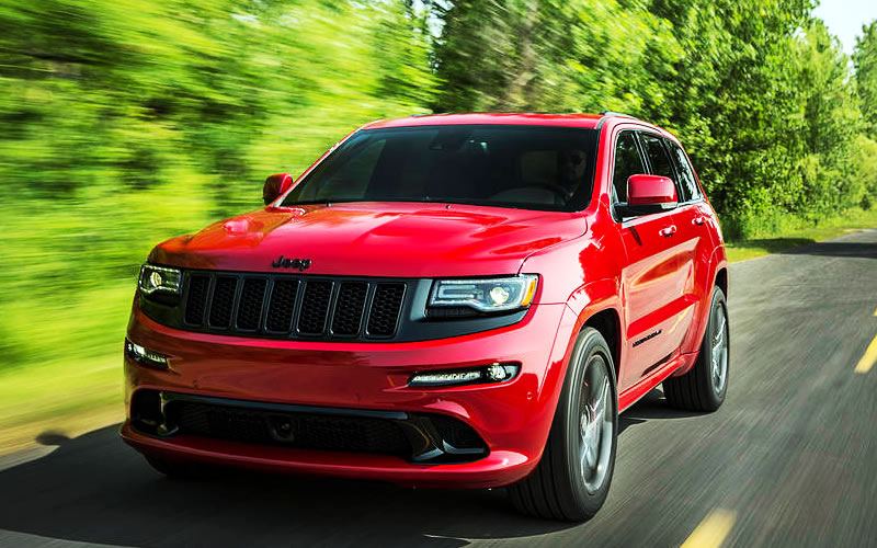 2015 jeep grand cherokee srt review bold in design with luxury in its name tech pep. Black Bedroom Furniture Sets. Home Design Ideas