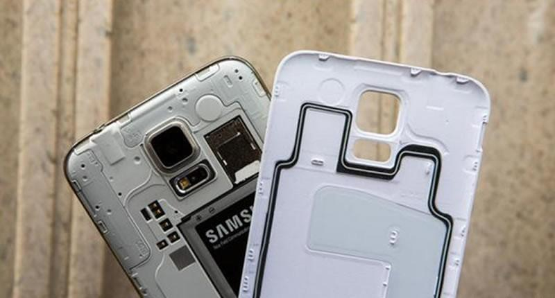 Samsung Galaxy S6 ditched two key features of a SmartPhone?