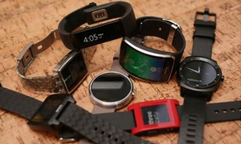 Smartwatch and Other Wearable Devices Are Hot Items Now