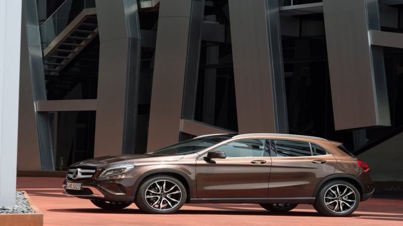 2016 Mercedes-Benz GLA-Class Review - The Premium Compact Crossover SUV