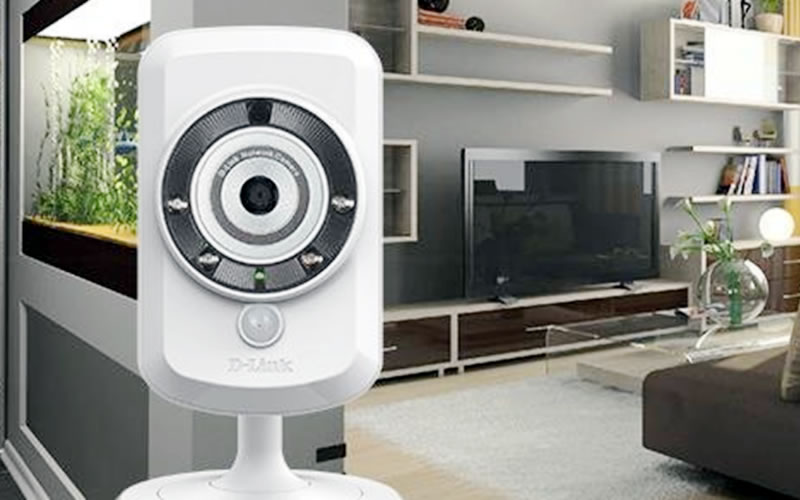D-Link Wireless Network Surveillance Camera Lets You Watch Your Home with Your Smartphone