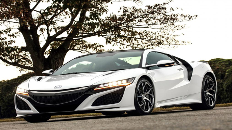 Honda NSX Review - The Japanese Supercar That is Capable of Immense Speed