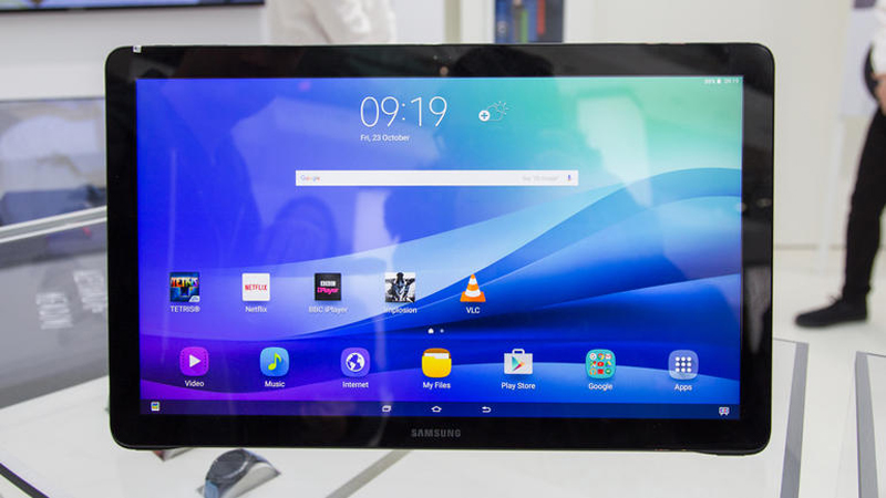 The Samsung Galaxy View - When Tablets Get Really Big