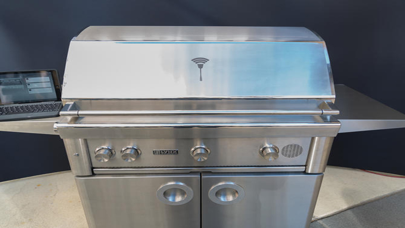 The Lynx SmartGrill Review - The Talking Luxury Grill