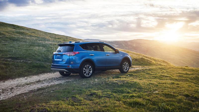 2016 Toyota RAV4 Hybrid - The Company's Entry to the Hybrid Tech Market