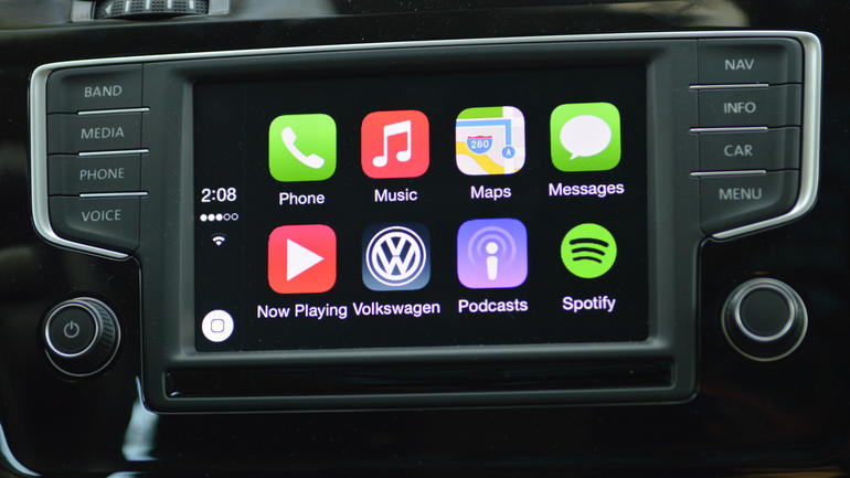 Apple CarPlay Review – The Future of Infotainment Systems