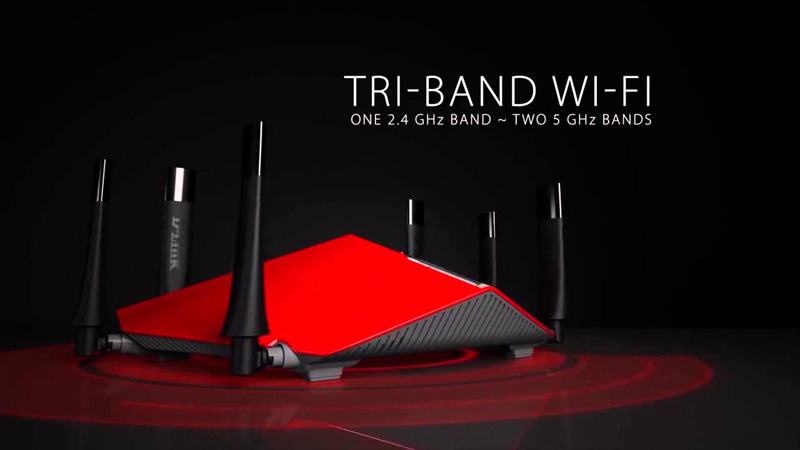 D-Link DIR-890L AC3200 Ultra Wi-Fi Router Review - That's Not a Large Metal Bug