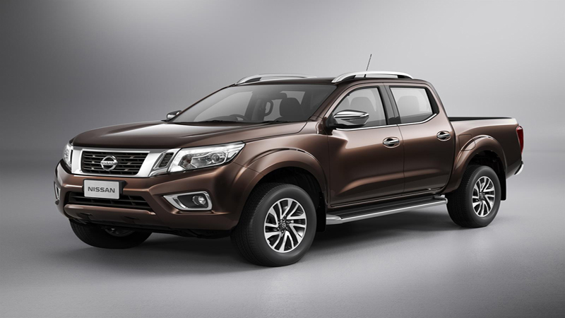 Nissan Navara NP300 2015 review - Combining Knowledge of the Pick-Up With SUV Expertise