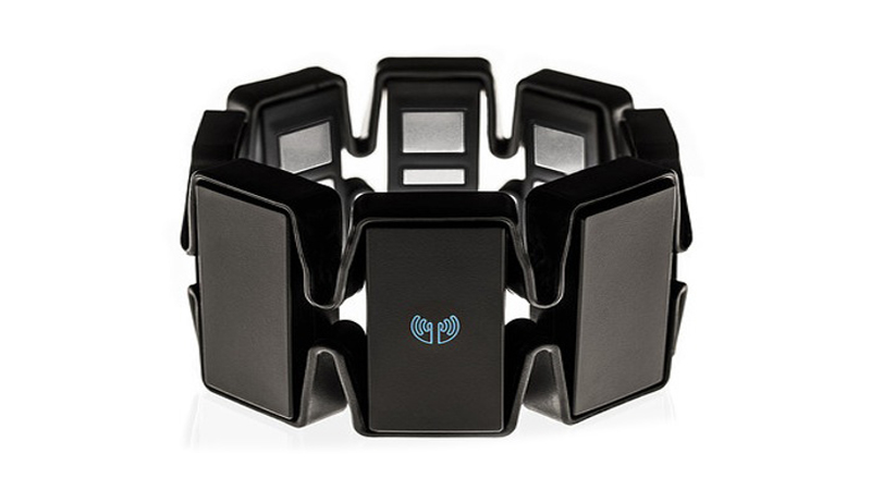 """Thalmic Myo Armband - The Closest Thing to Actually Using """"The Force"""""""