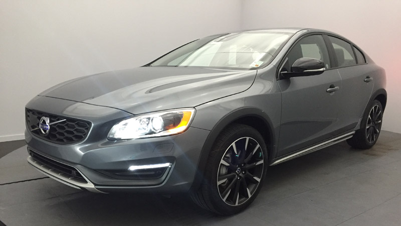 2016 Volvo S60 Cross Country T5 Review - Combining Comfort and Utility