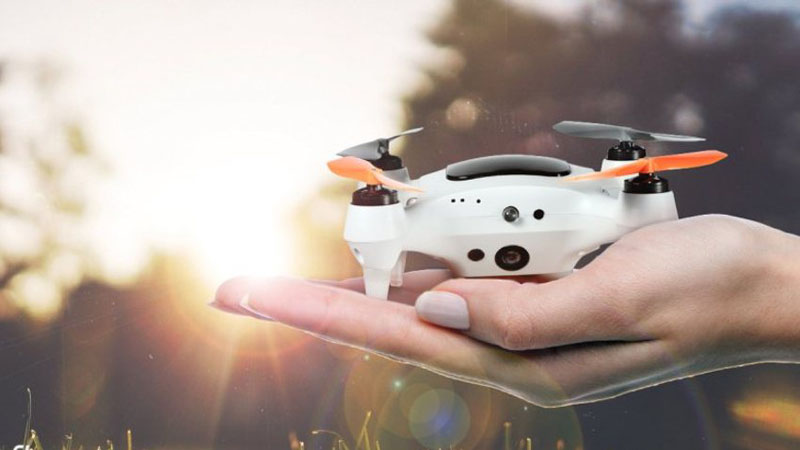 ONAGOfly Review - The Drone That Follows Your Smile