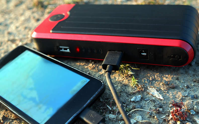 PowerAll PBJS3200RG Portable Power Bank and Car Jump Starter is All You Need for Battery Emergencies