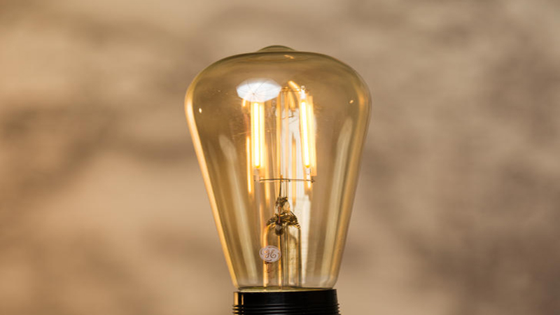 GE 40W Replacement Vintage-Style Filament LED Review - A Classic Take on a Modern Light