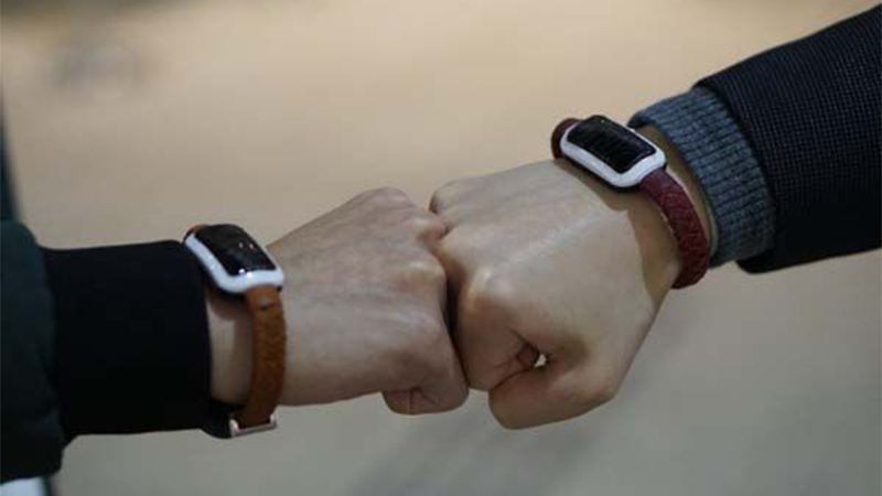 NiftyX - Charge Your Devices Through the Bracelet