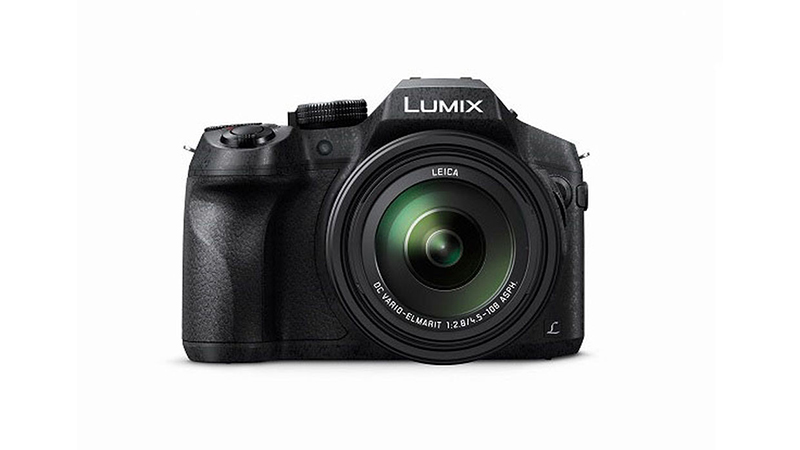 Panasonic Lumix DMC-FZ300 Review - The Ergonomics of an SLR With a Superzoom Function