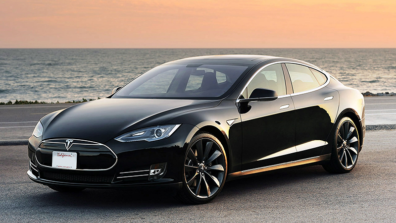 Tesla - Chinese Billionaire Plans to Raise the Bar in the Competition. Wants to Make Cars Free.