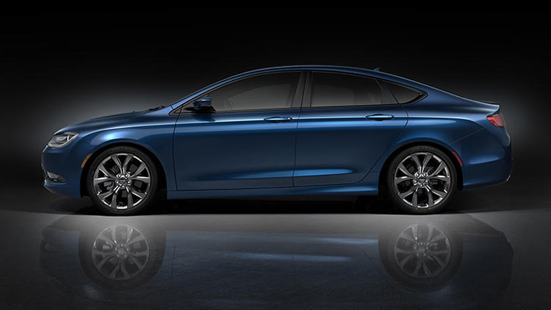 2015 Chrysler 200 2.4 FWD Review - An Entry to the Mid-Sized Sedan Market That Shows Potential
