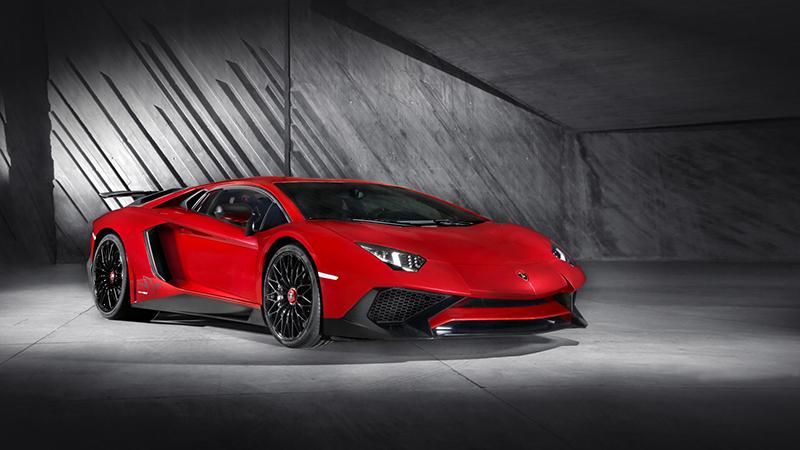 2016 Lamborghini Aventador Superveloce Review - Bare Bones, No Fuss, No Frills, All Mad Italian Bull