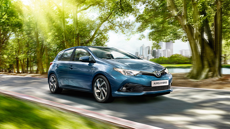 2016 Toyota Auris Review - A Solid Performing Family Car