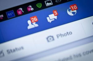 Apartment-complex-threatens-to-evict-non-Facebook-friends