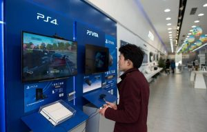 xbox-one-outsells-playstation-4