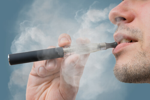 Should You Use an E-Cigarette or a Vape Pen When Quitting Smoking?